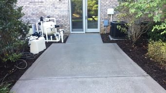 Mooresville NC Lake Norman Concrete Cleaning Before & After (2)